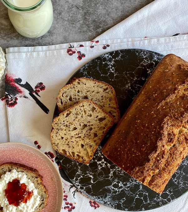 Schnelles Emmer-Quark-Brot